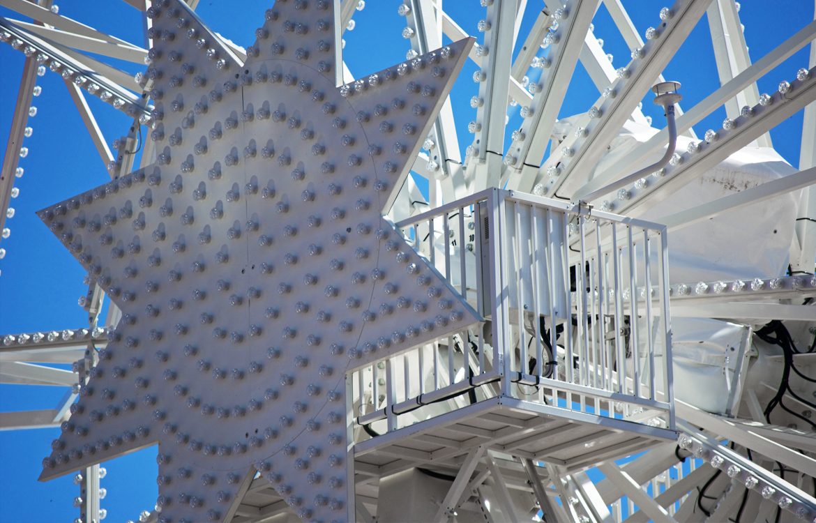 Darrera installs a wind speed alarm system on the new ferris wheel of the Tibidabo Amusement Park (Barcelona)