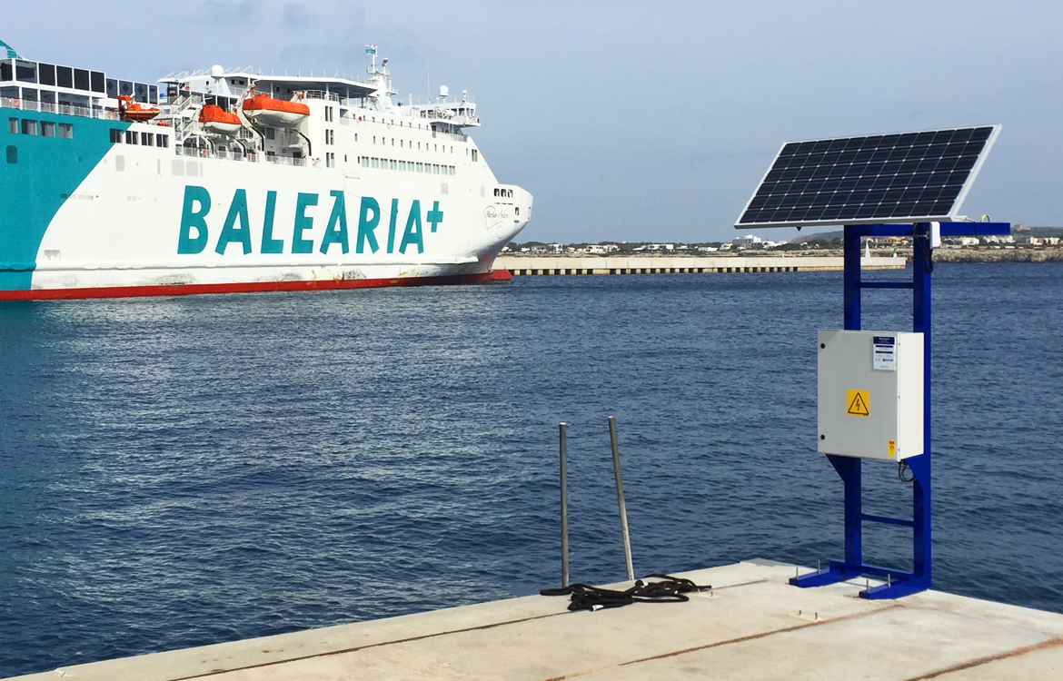 Darrera installs 2 wave and tide sensors in the outer port of Ciutadella –  Son Blanc